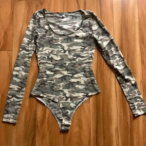 Charlotte Russe Long Sleeve Camo Body Suit Womens
